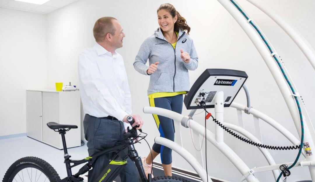 Dr Daniel Mauss, Vice President of Health Management at Porsche, Julia Görges, Porsche Brand Ambassador, l-r, Porsche Health Centre, 2019, Porsche AG