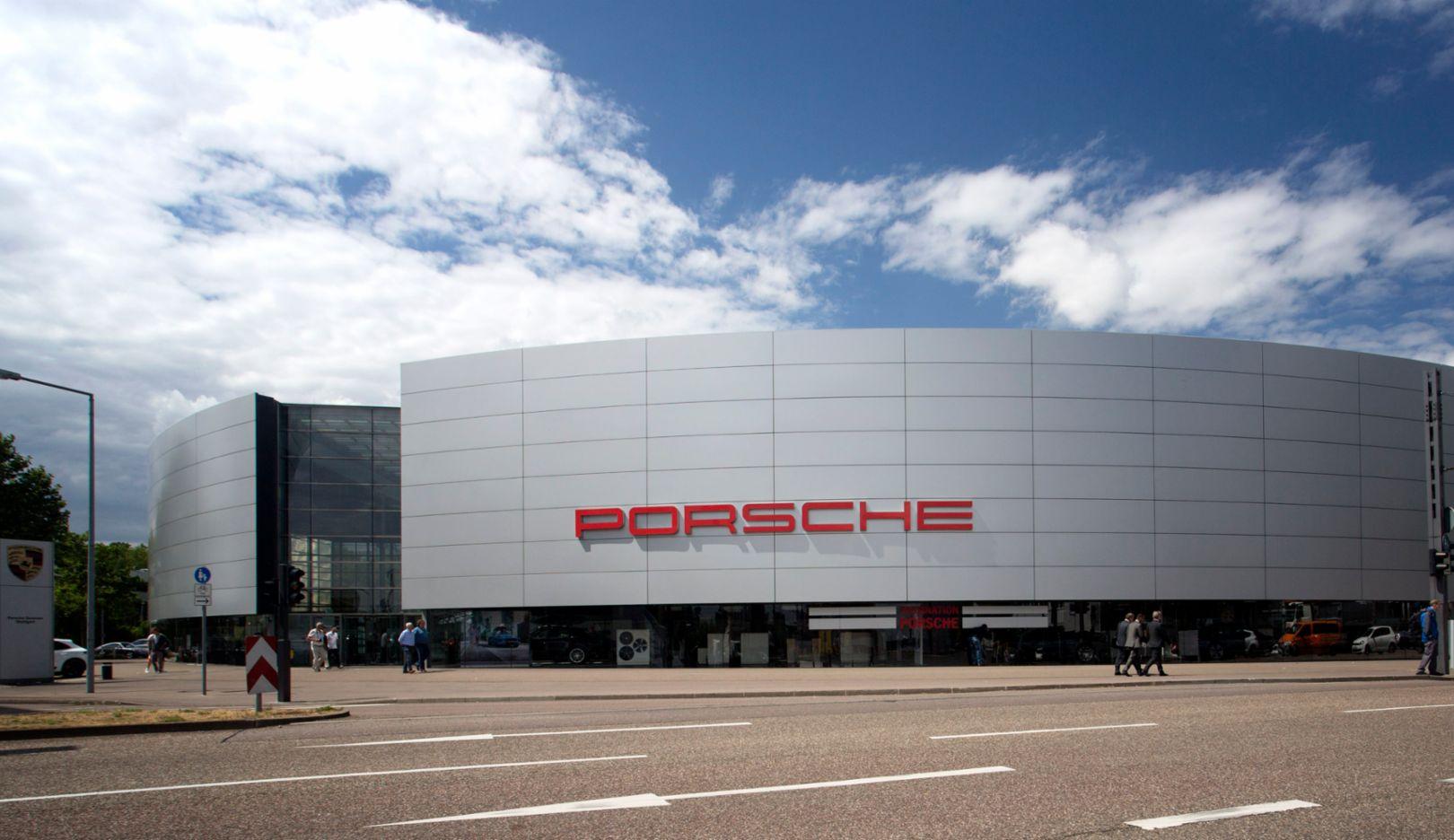 Porsche Zentrum Stuttgart, Zuffenhausen, 2015, Porsche AG