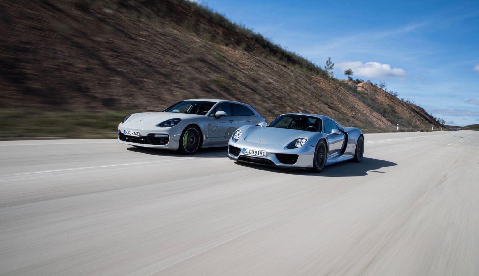 Panamera Turbo S E-Hybrid Sport Turismo, 918 Spyder, l-r, Portimao, 2018, Porsche AG