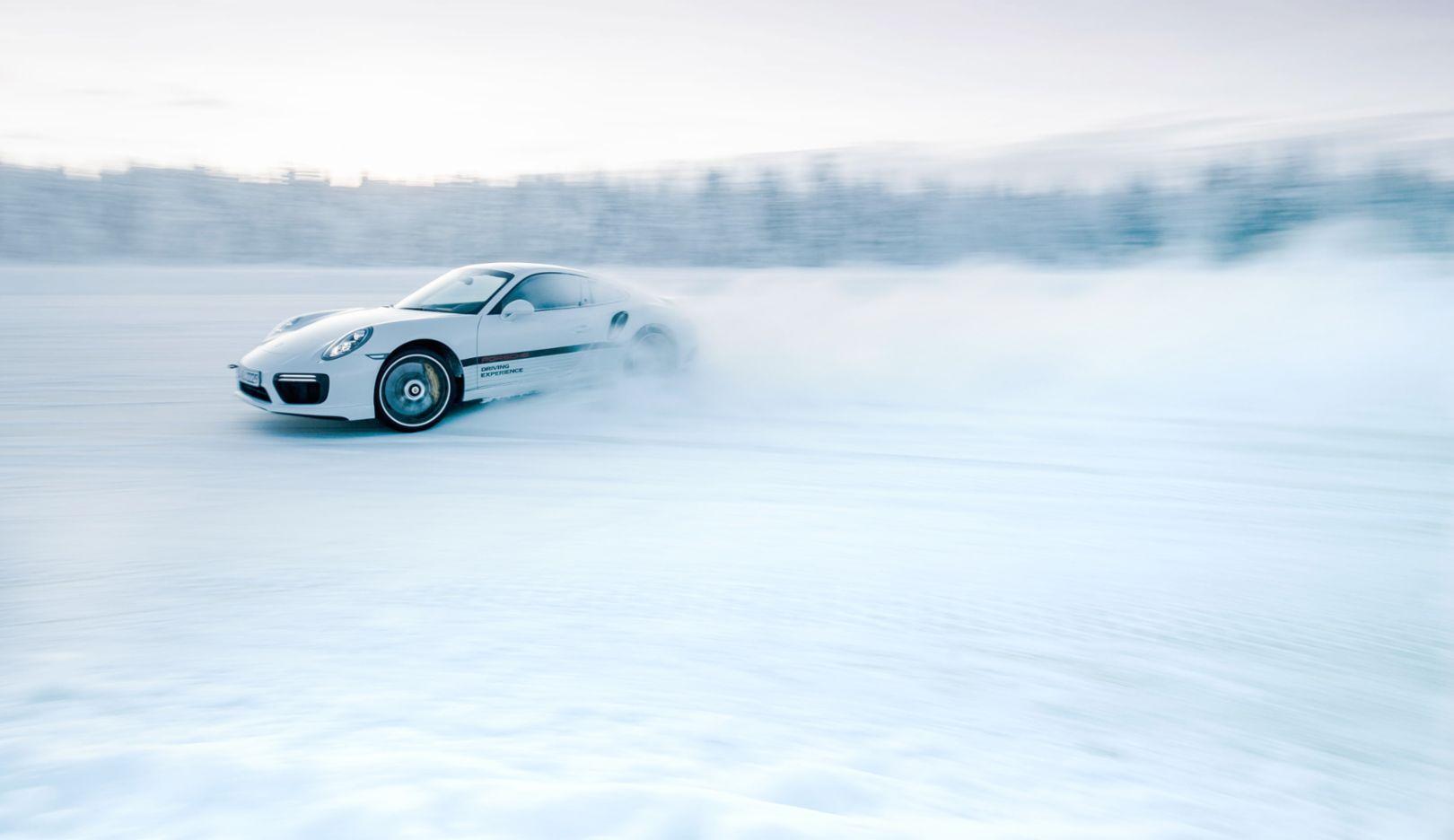 911 Turbo S, Porsche Driving Experience Winter, Levi, Finnland, 2016, Porsche AG