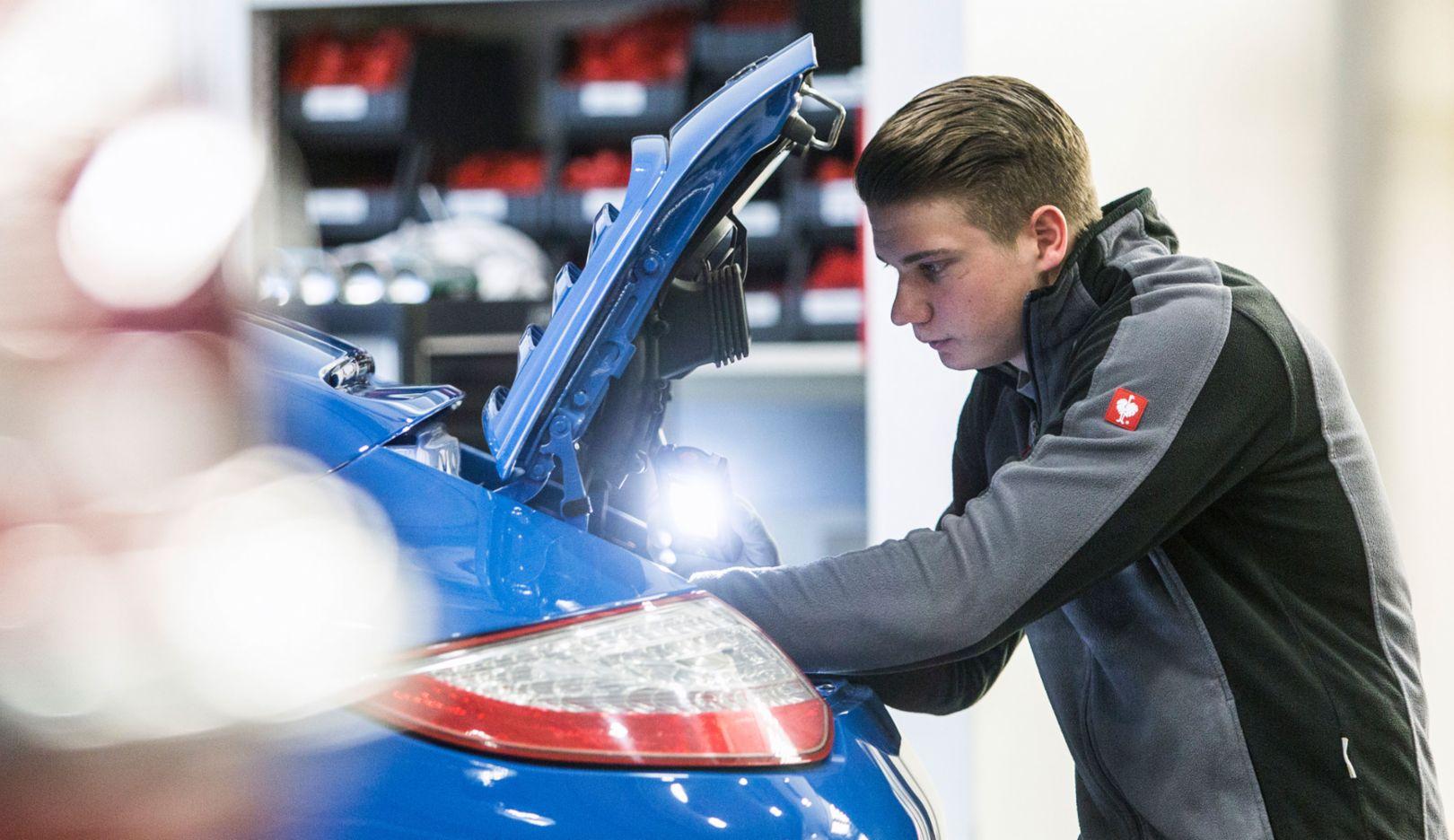 Dominic Albrecht, 2017, Porsche AG