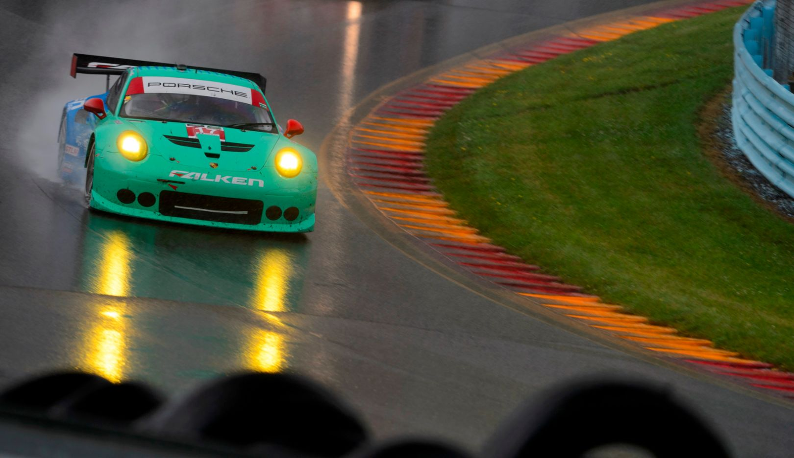 Team Falken Tire: Wolf Henzler, Bryan Sellers, Porsche 911 RSR, Watkins Glen 2015, Porsche AG