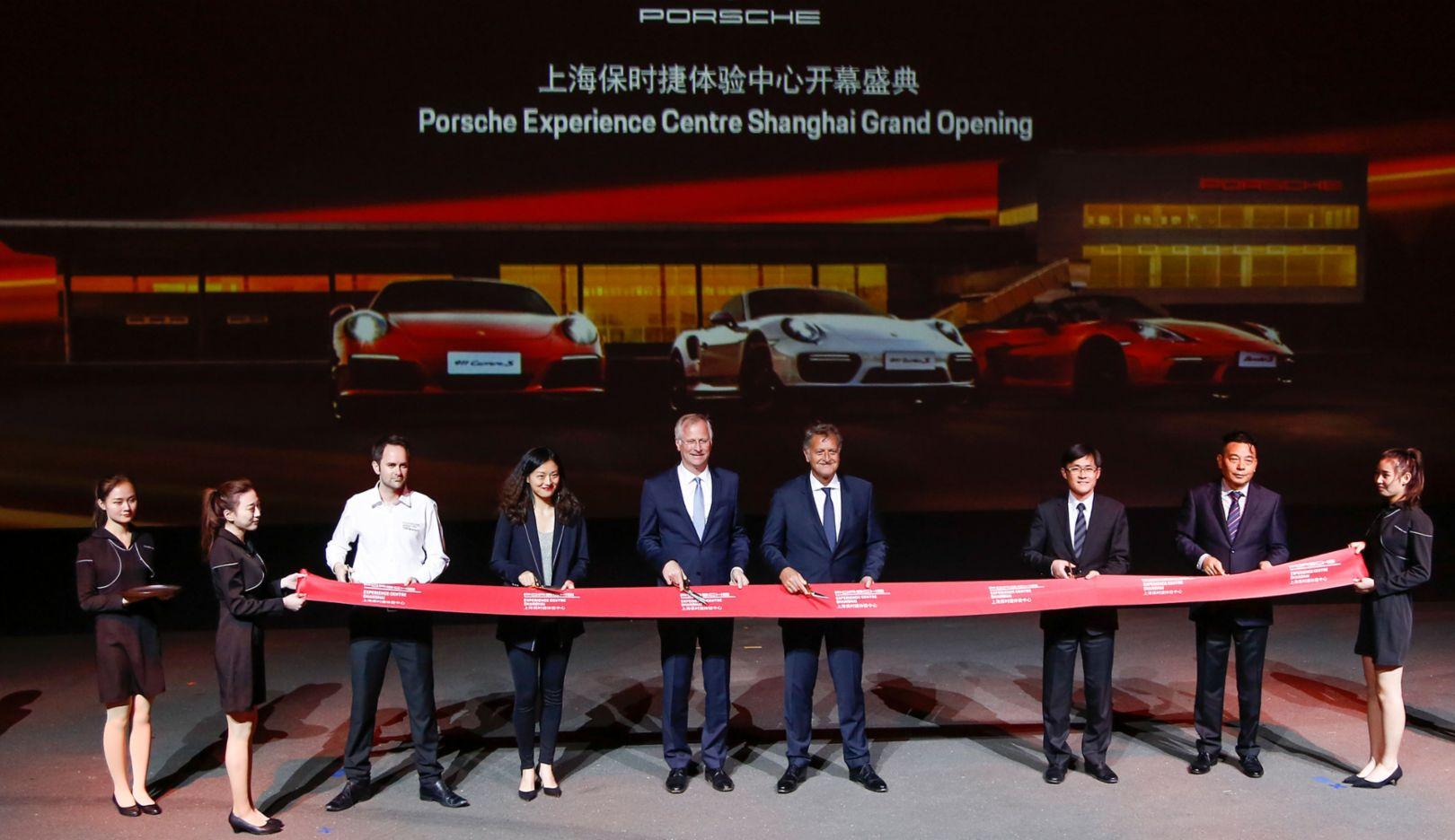 Jens Puttfarcken, future CEO Porsche China and Porsche Hongkong, Detlev von Platen, Member of the Executive Board, Sales and Marketing at Porsche, Opening Porsche Experience Center Shanghai, 2018, Porsche AG
