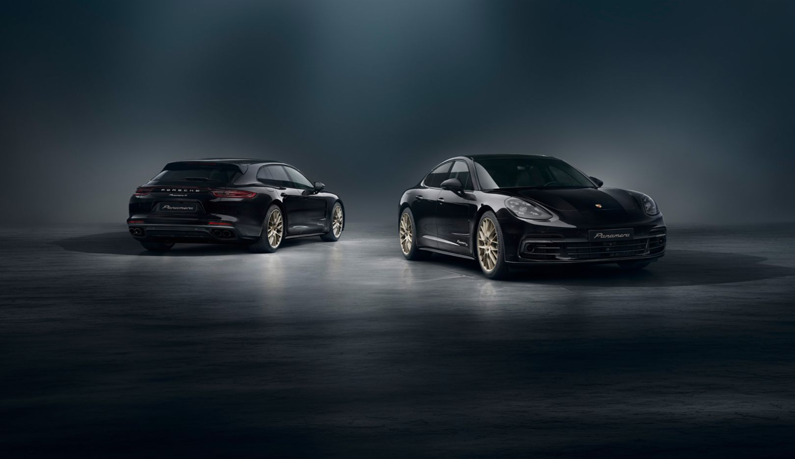 Panamera 4 Sport Turismo «10 Years Edition» (слева), Panamera 4 «10 Years Edition», 2019, Porsche AG