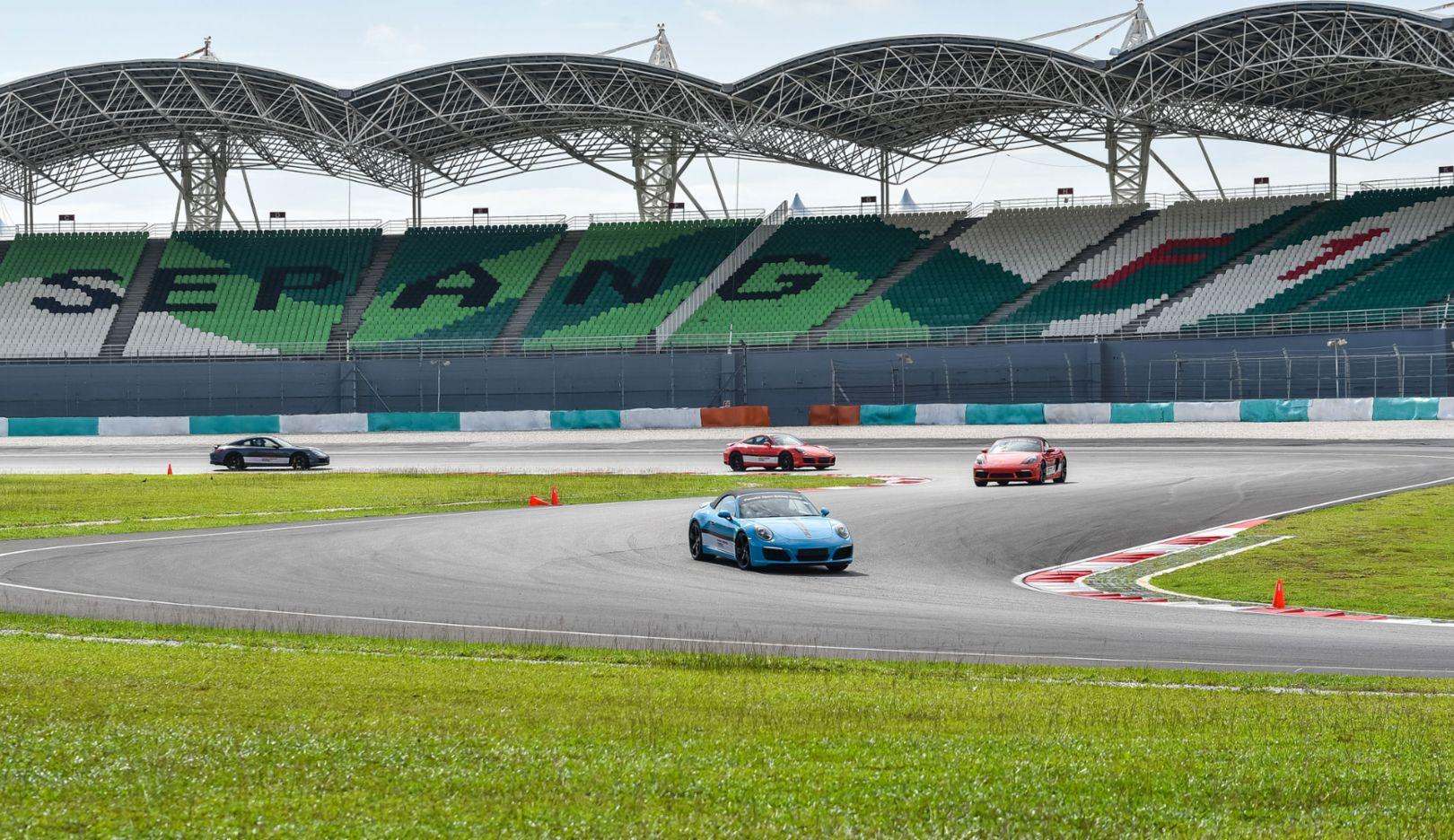 911 Turbo, 911 Turbo S, Porsche Driving Experience, Sepang, Malaysia, 2017, Porsche AG