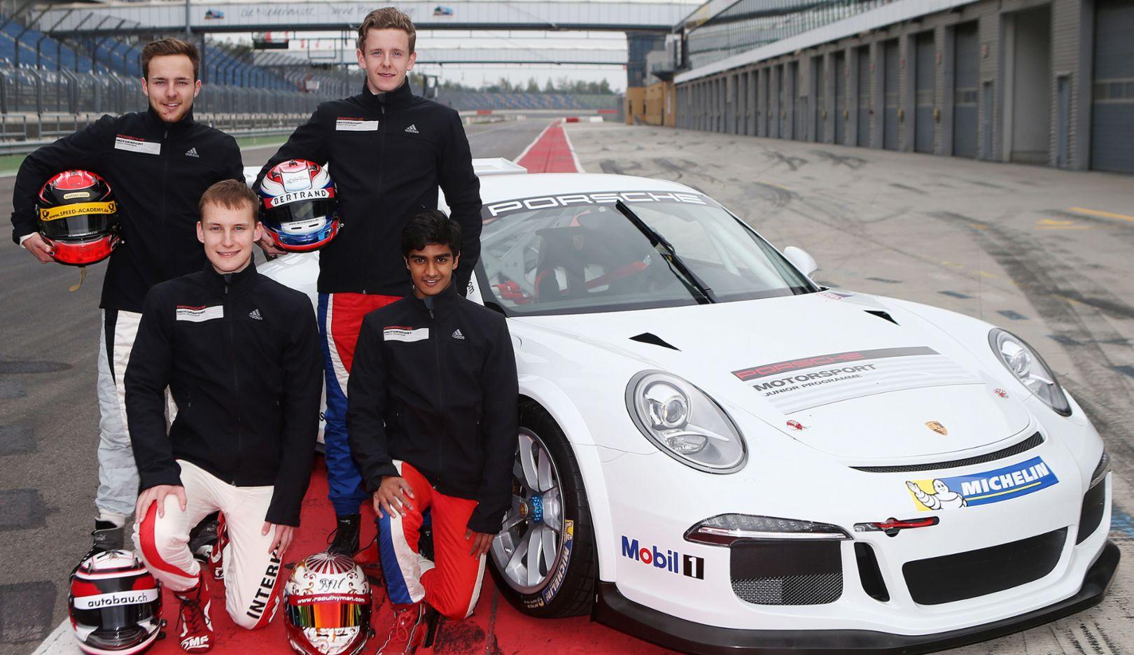 Porsche 911 GT3 Cup, Marvin Dienst, Dennis Olsen (hinten), Kevin Jörg, Raoul Joshua Hyman (vorne), Lausitzring, 2015, Porsche AG
