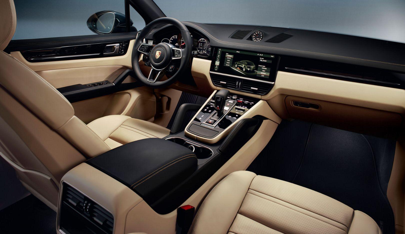 Digital evolution: Porsche Advanced Cockpit and new PCM