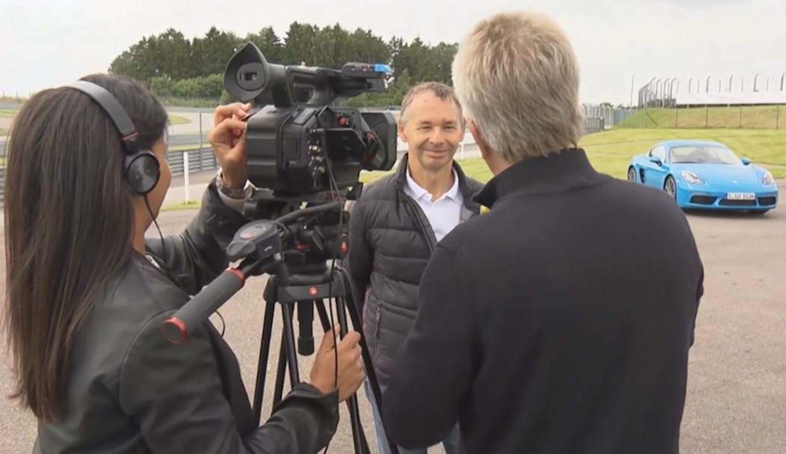 August Achleitner, Head of Model Line 911/718 in an interview with Klaus Niedzwiedz (r.), 2016, Porsche AG