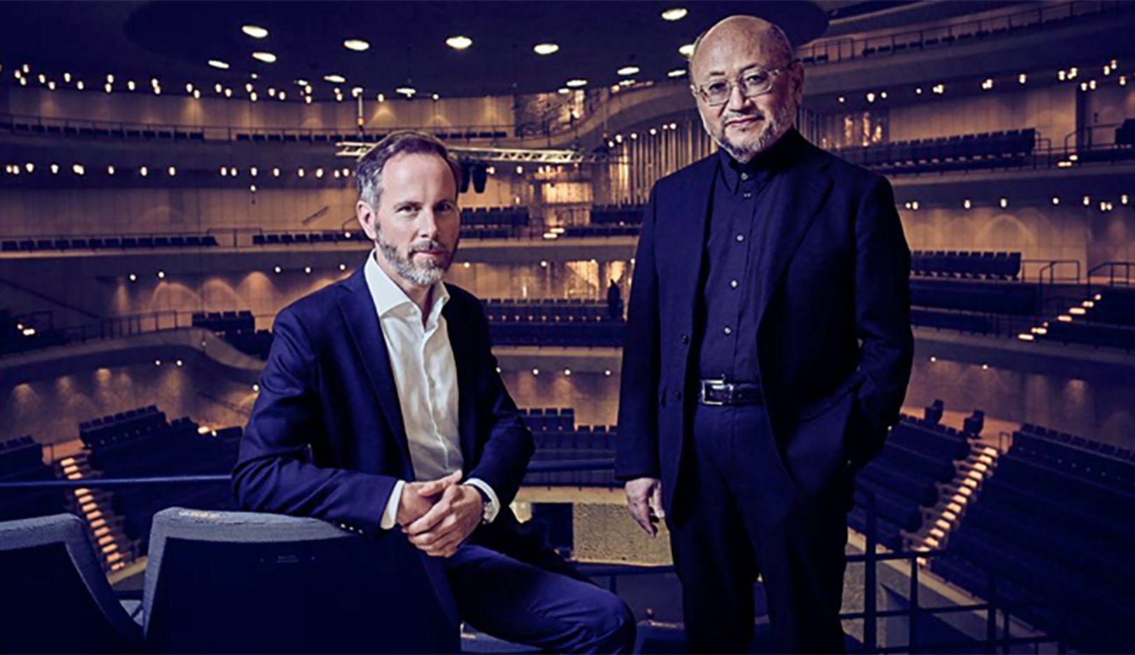 Andreas Henke, Geschäftsführer von Burmester, Yasuhisa Toyota, Akustikdesigner, l-r, Elbphilharmonie Hamburg, 2017, Porsche AG