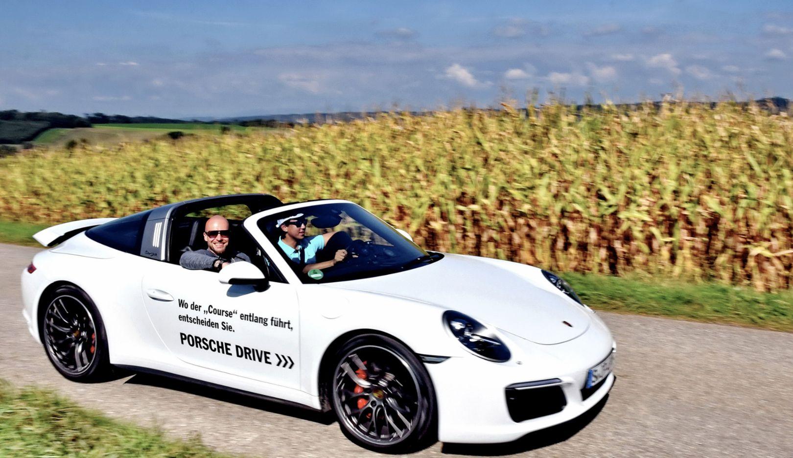 Mateo und Chino, Bandmitglieder von Culcha Candela, 911 Targa 4S, Porsche European Open, Bad Griesbach, 2016, Porsche AG