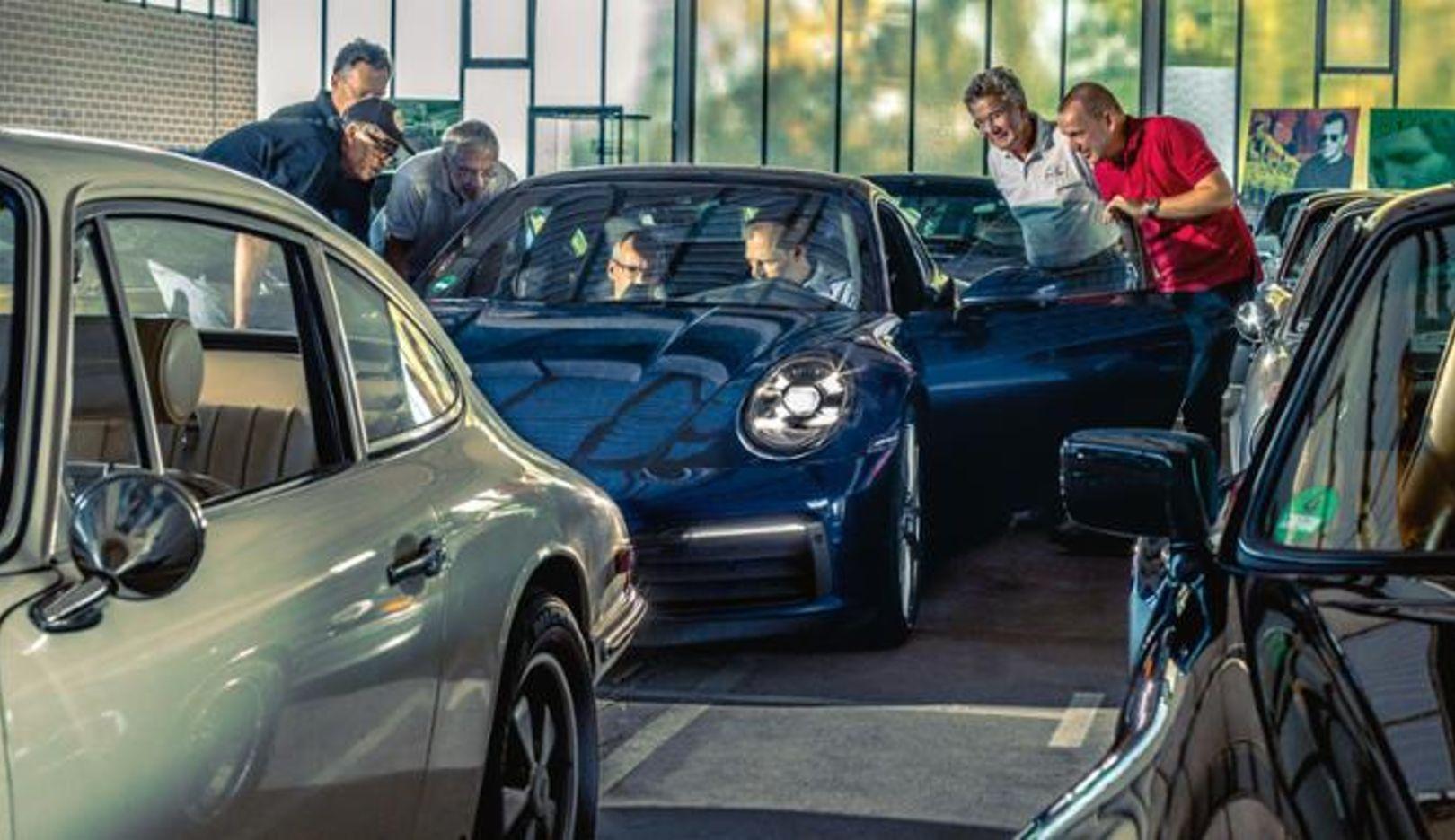 911 (922), 2018, Porsche AG