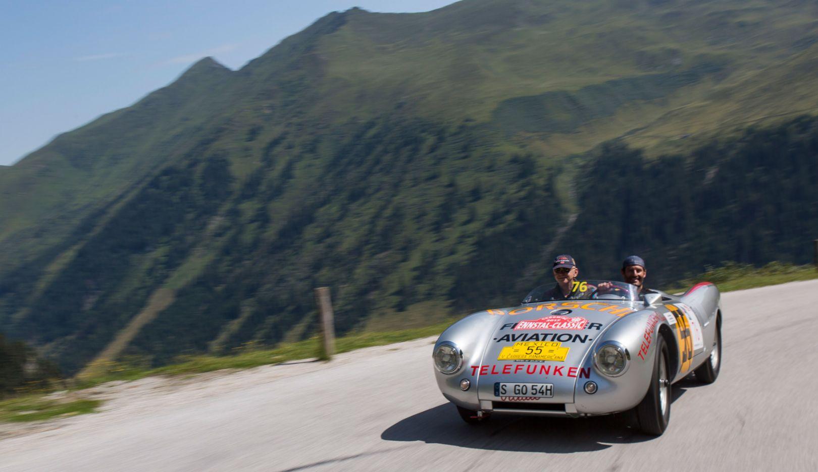 Mark Webber, Porsche Brand Ambassador (r), 550 Spyder from 1954, Ennstal Classic, 07/20/2017, Porsche AG