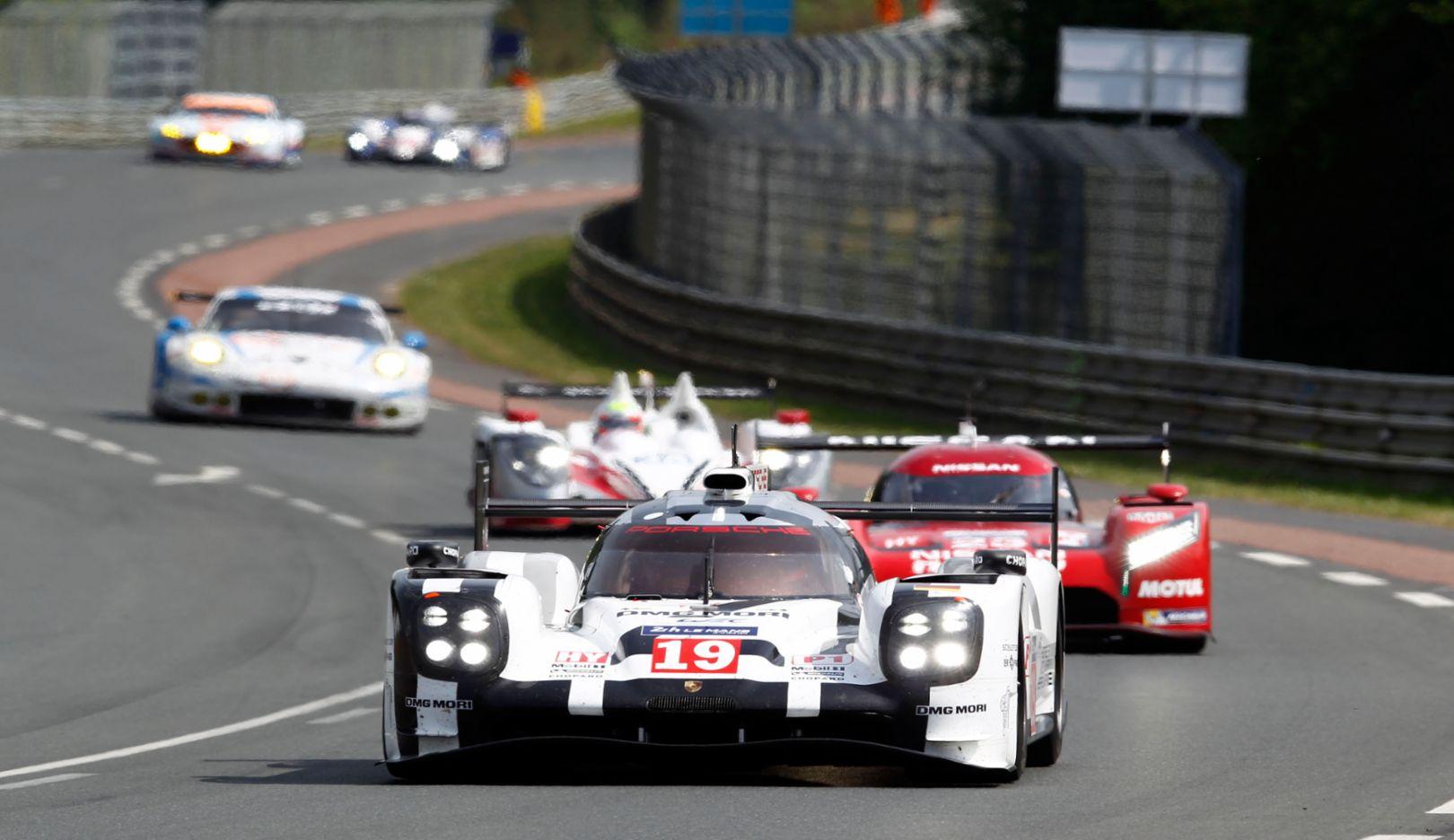 919 Hybrid, No 19, No 17, Le Mans, 2015, Porsche AG