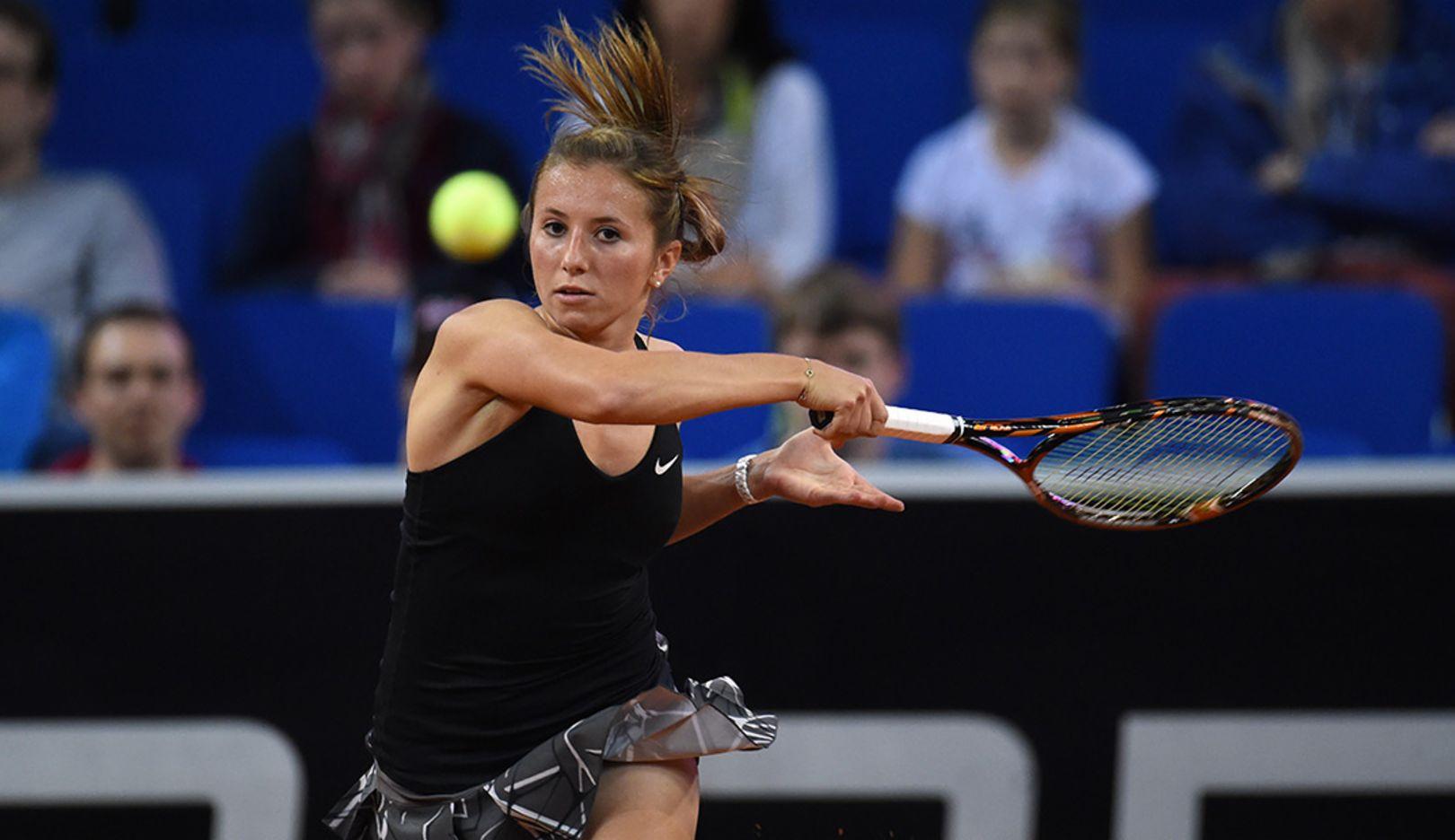 Annika Beck, tennis player, Porsche Team Germany, Porsche Tennis Grand Prix, Porsche-Arena Stuttgart, 2014, Porsche AG