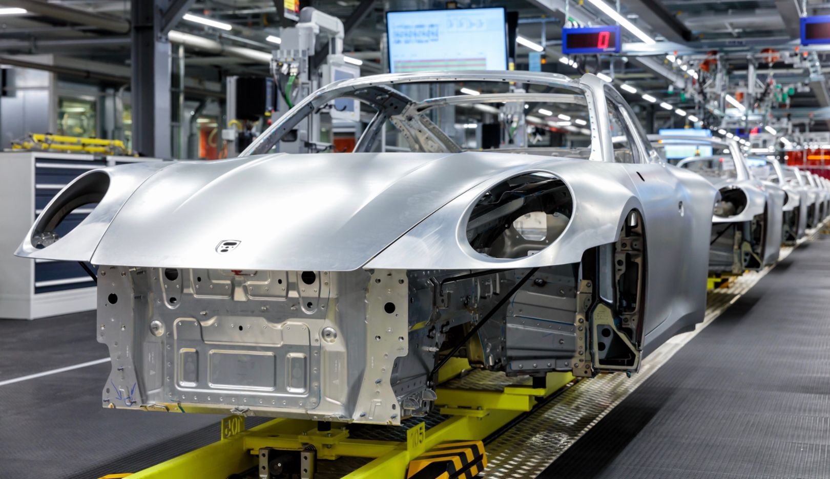 Body production on the new 911, 2019, Porsche AG