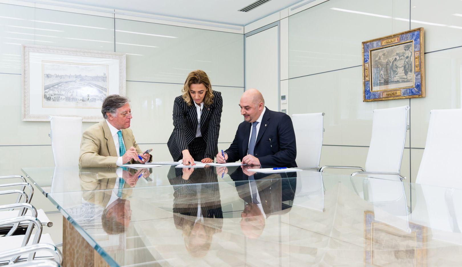 Alfredo Aureli, founder of the Aetna Group, Valentina Aureli, CEO of the Aetna Group, Enrico Aureli, CEO of the Aetna Group, l-r, 2016, Porsche Consulting GmbH