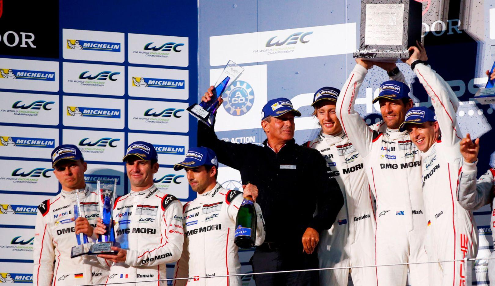 Marc Lieb, Romain Dumas, Neel Jani, Fritz Enzinger, Brendon Hartley, Mark Webber, Timo Bernhard (l-r), FIA WEC, Fuji 2015, Porsche AG