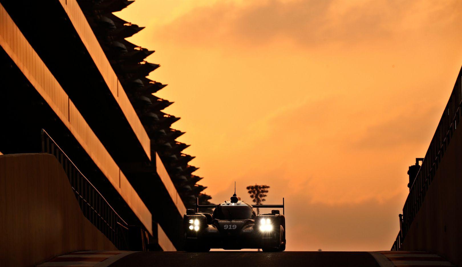 919 Hybrid, Reifentest in Abu Dhabi, 2016, Porsche AG