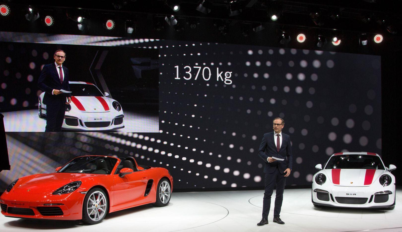 Oliver Blume, Vorstandsvorsitzender, 911 R und 718 Boxster S, Genf, 2016, Porsche AG