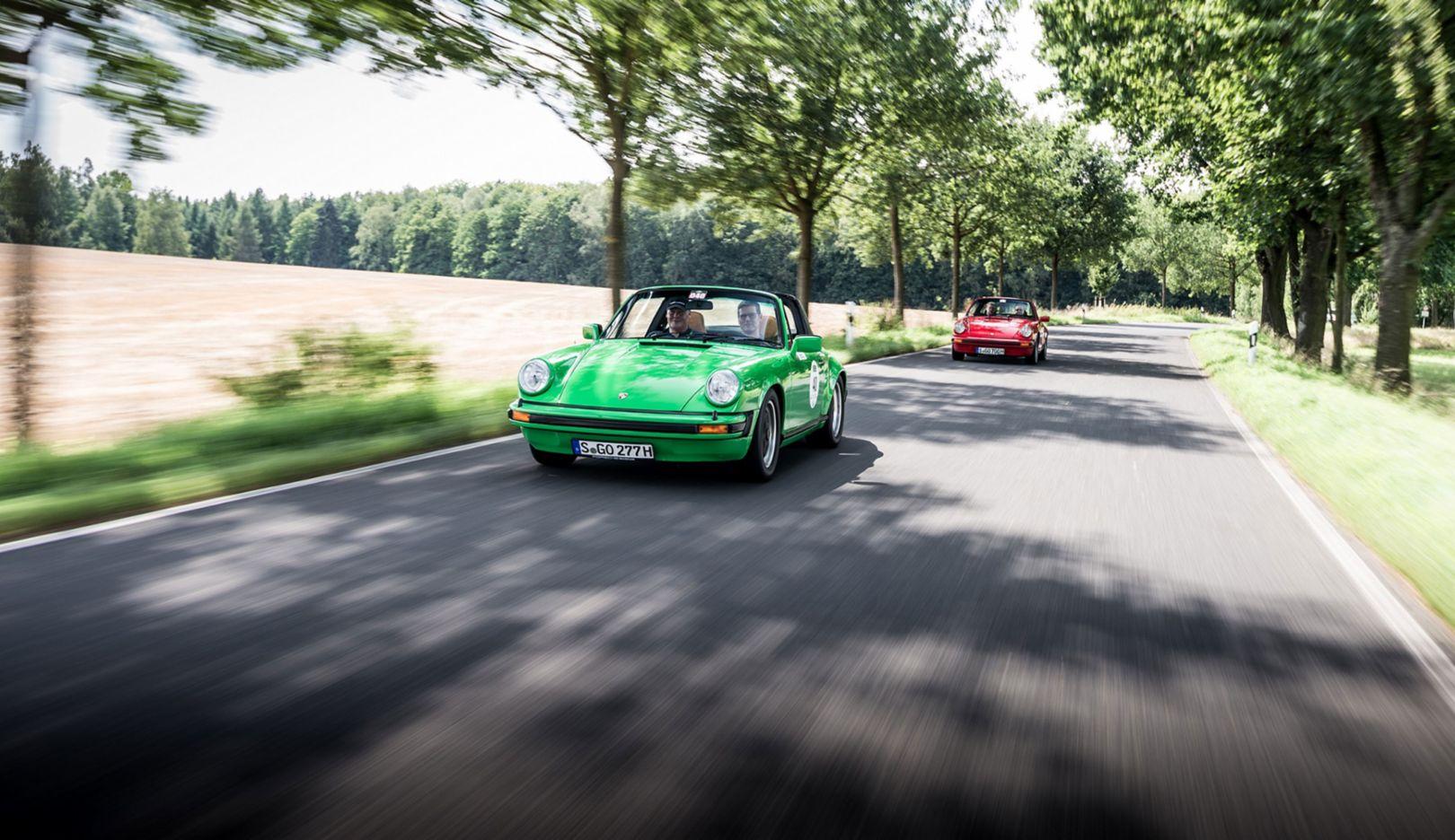 Sachsen Classic, 2017, Porsche 911 Carrera 3.0 Targa (1976) und Porsche 911 SC 3.0 Targa (1981), Porsche AG