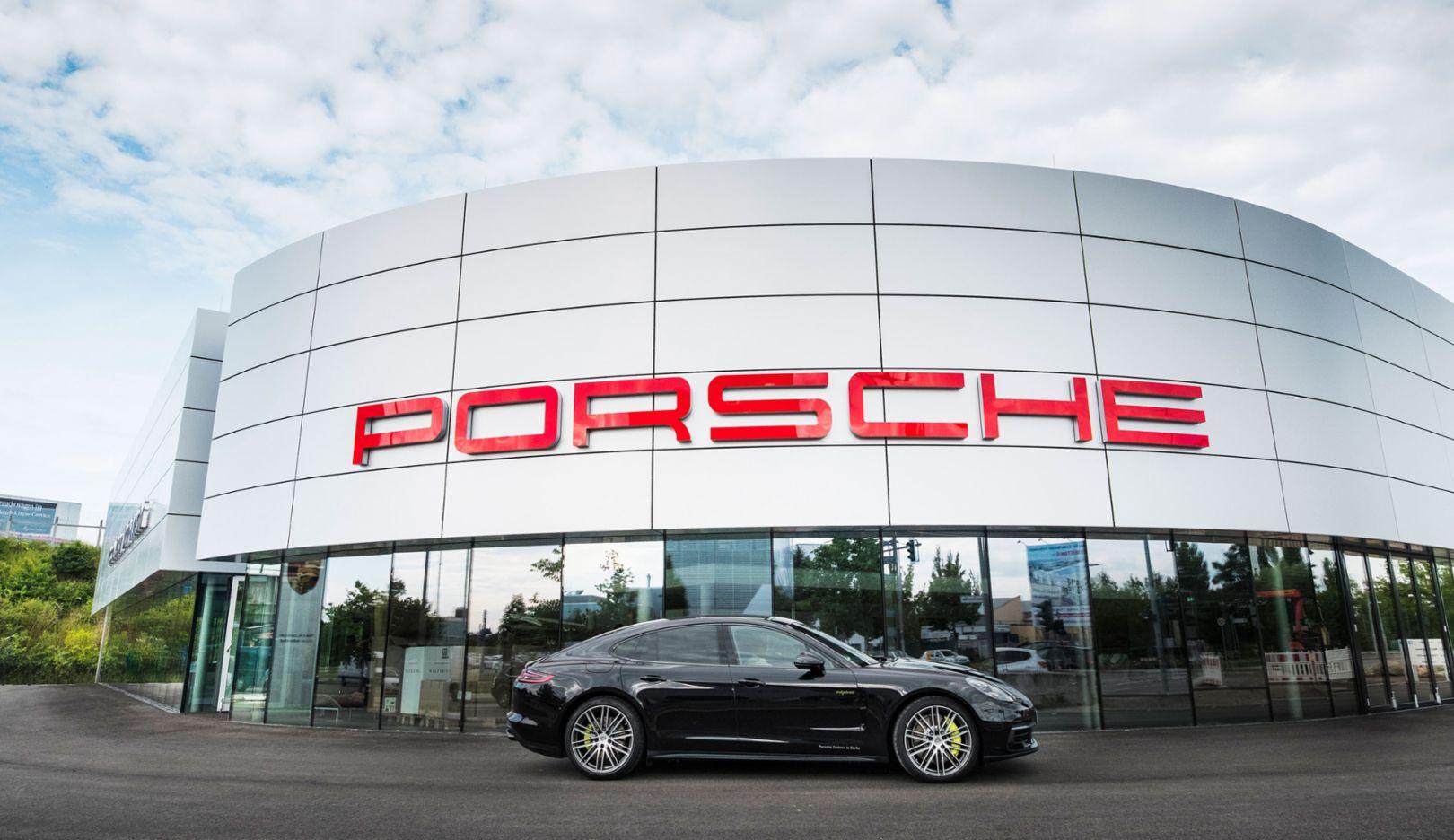 Panamera 4 E-Hybrid, Porsche Zentrum Berlin-Adlershof, 2017, Porsche AG