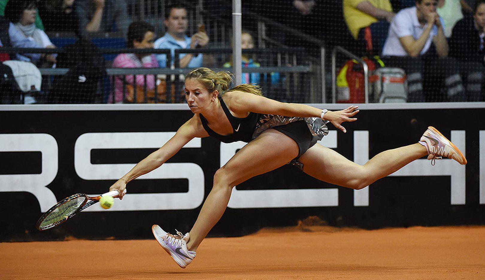 Annika Beck, Tennisspielerin, Porsche Team Deutschland, Porsche Tennis Grand Prix, Porsche-Arena Stuttgart, 2014, Porsche AG