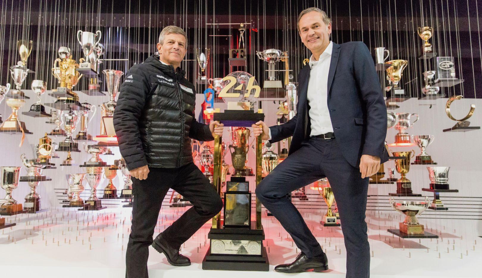 Fritz Enzinger, Oliver Blume, l-r, Le Mans trophy, Porsche Museum, 2017, Porsche AG
