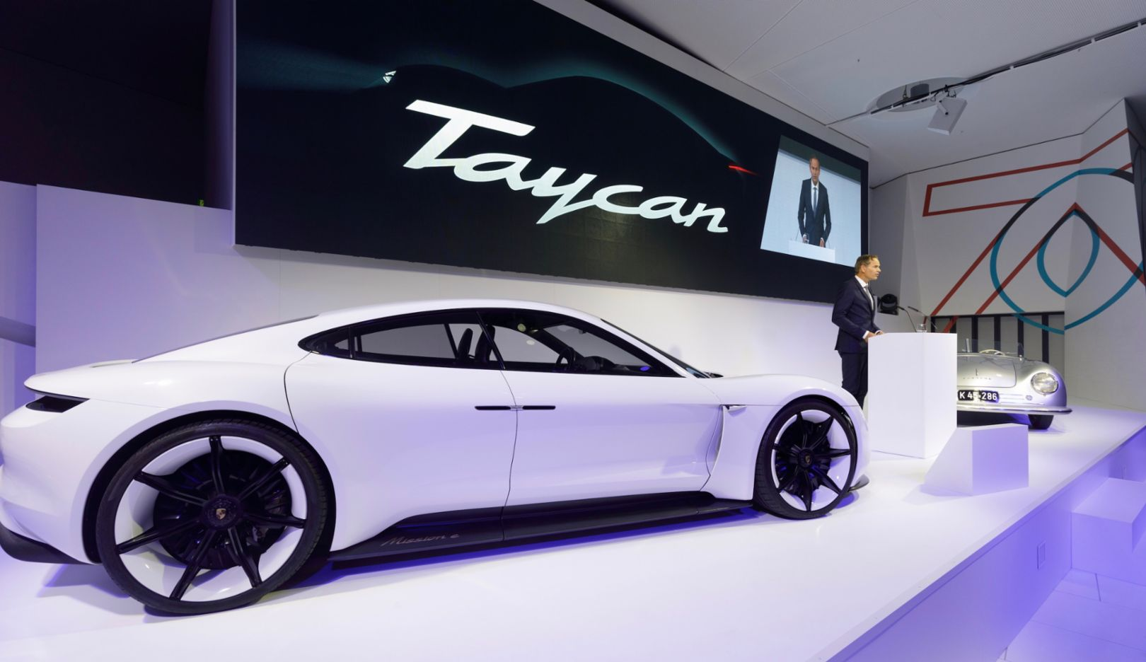 """Oliver Blume, Porsche Taycan, Porsche 356, Ceremonial opening """"70 Years Porsche Sportscar"""", 2018, Porsche AG"""