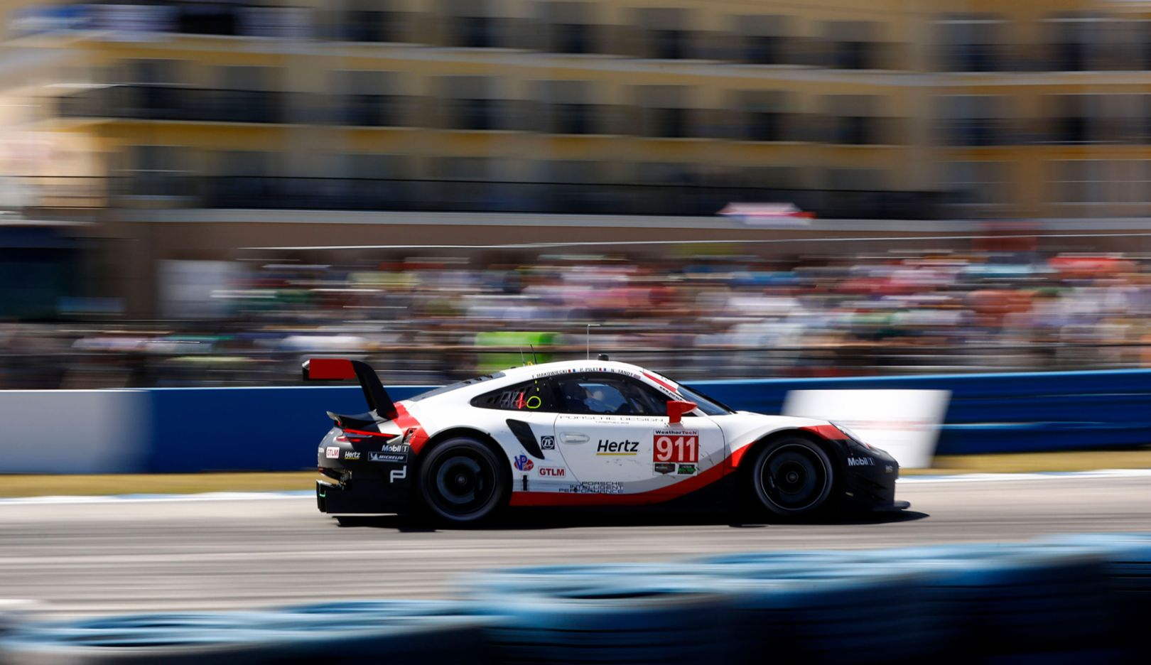 Porsche targets second win of the season on the Californian street