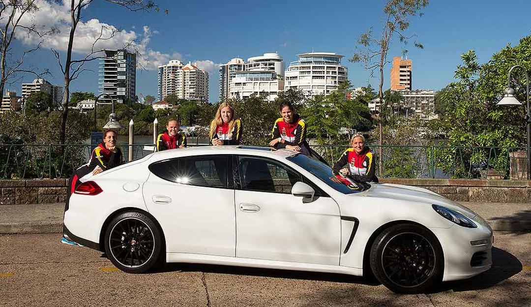 Andrea Petkovic, Anna-Lena Grönefeld, Angelique Kerber, Julia Görges, Barbara Rittner, Porsche Team Deutschland, l.-r., Panamera, Fed Cup, Brisbane, 2014, Porsche AG