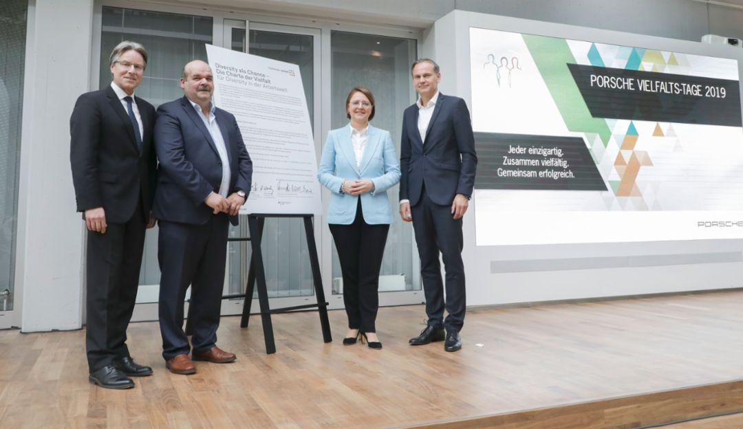 Unterzeichnung der Charta der Vielfalt zu Beginn der Vielfalts-Tage bei Porsche, 2019, Porsche AG