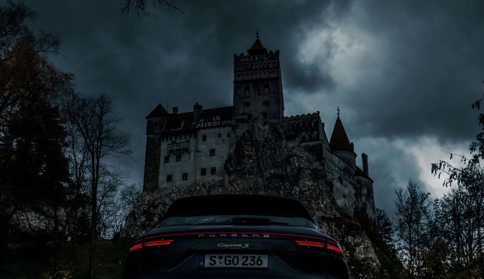 Sebastian Canaves, Cayenne S, Bran, Transylvania, 2018, Porsche AG