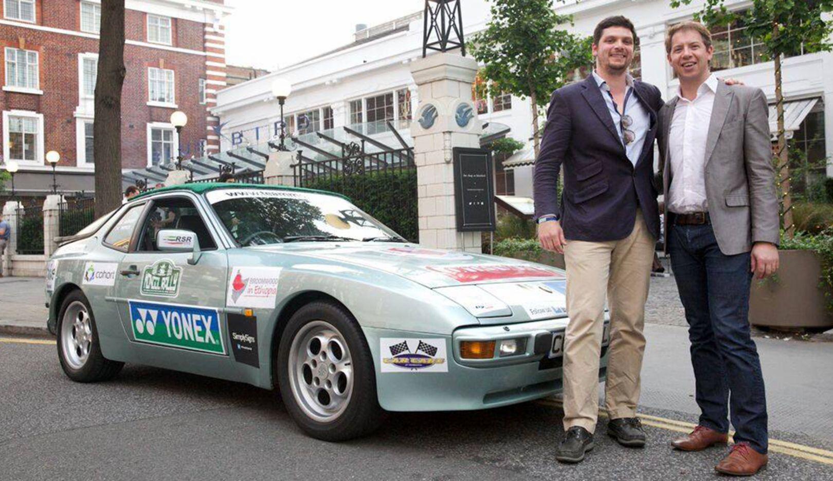 Patrick Colquhoun, Anthony Millet (l.-r.), Mongol-Rallye Fahrer, 1986 Porsche 944, 2015, Porsche AG