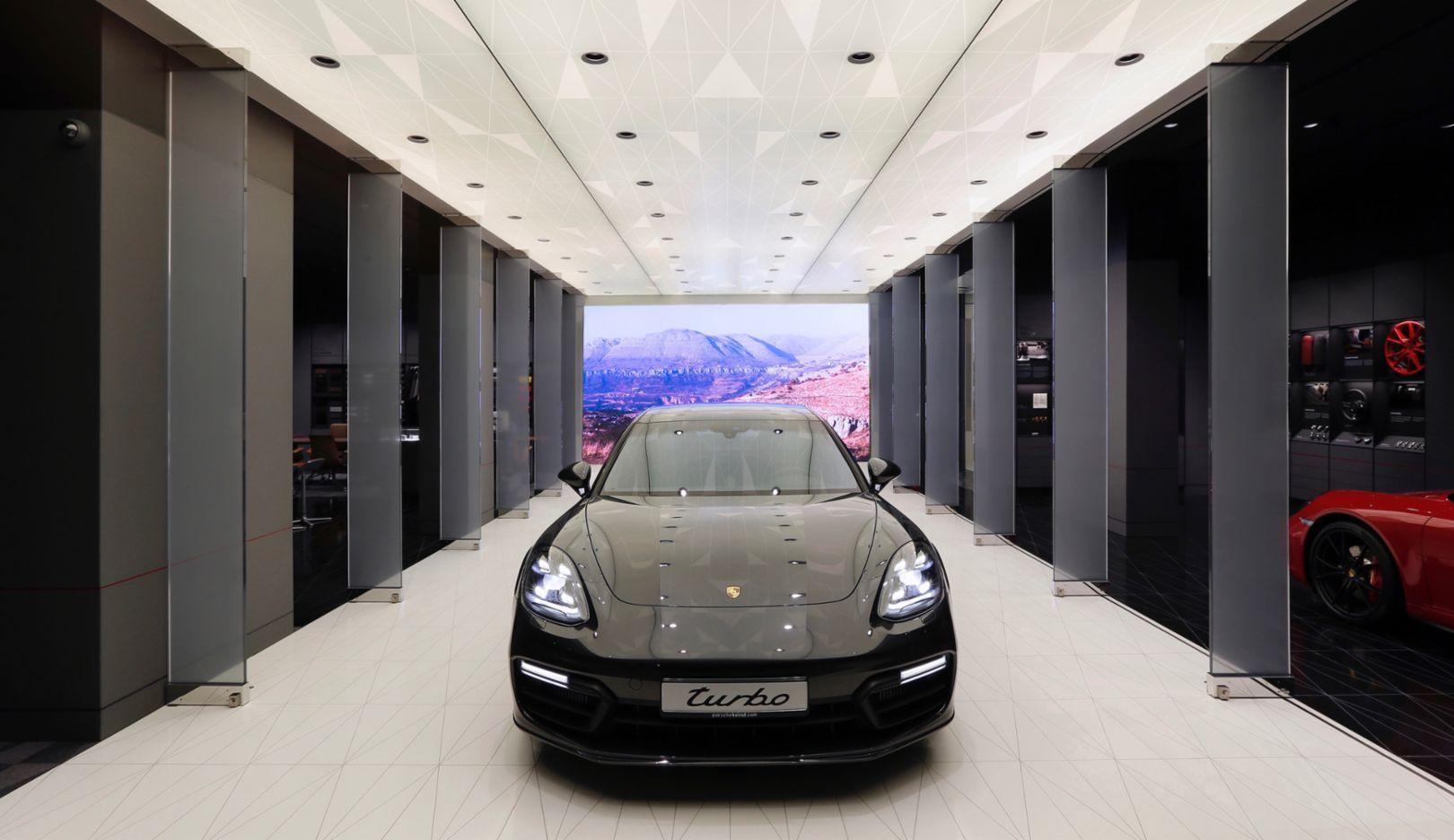 Panamera Turbo, Porsche Studio Beirut, 2018, Porsche AG