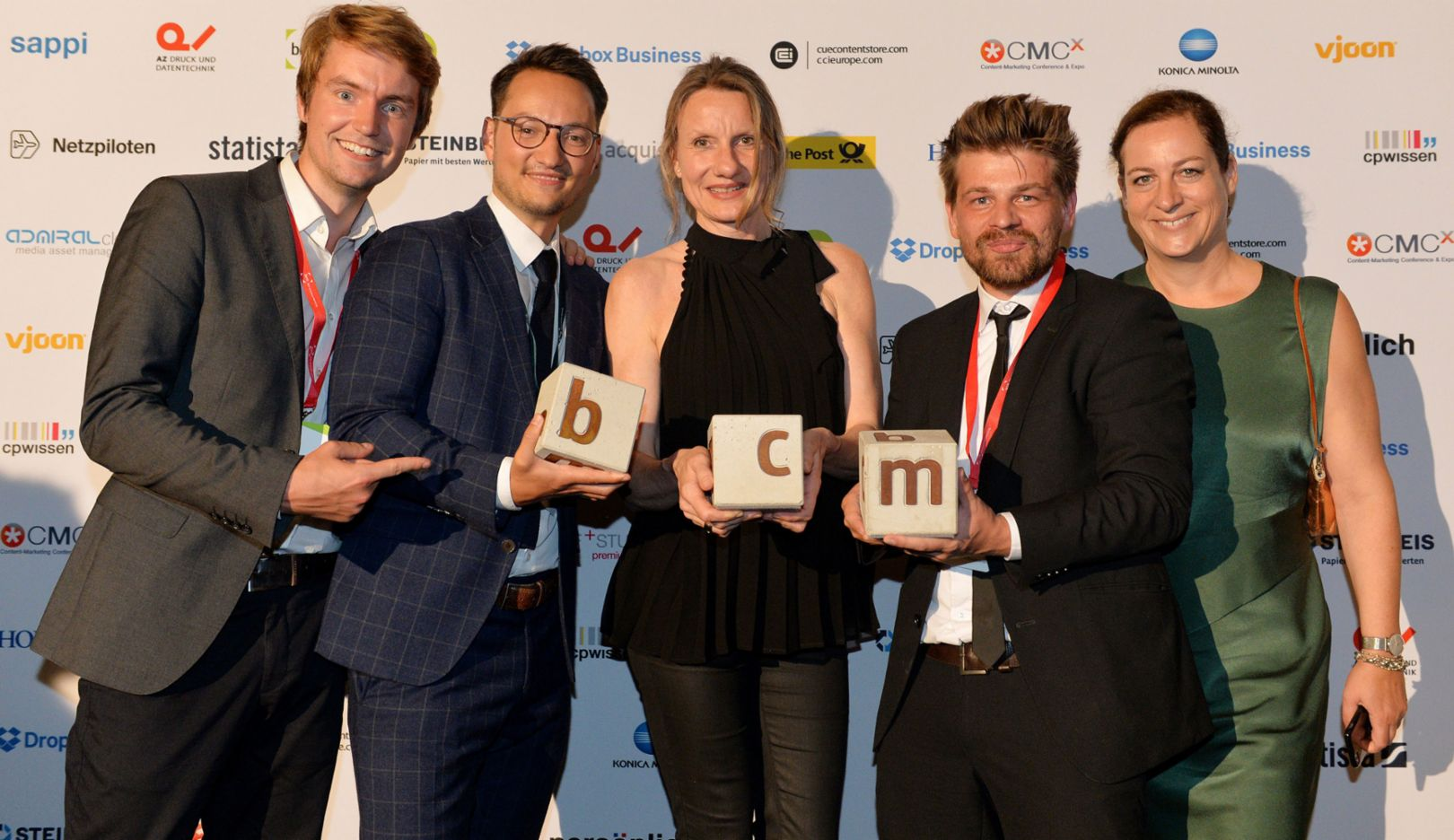 Pascal Schulze-Bisping, Project Management Porsche Newsroom Porsche AG, Julian Hoffmann, Editorial Management Porsche Newsroom Porsche AG, Sabine Schröder, Director Corporate Publishing Porsche AG, Till Uhrig, Editor TERRITORY Content to Results GmbH, Sandra Harzer-Kux, CEO TERRITORY Content to Results GmbH, l-r, BCM Award, awards show, Berlin, 2017, Porsche AG