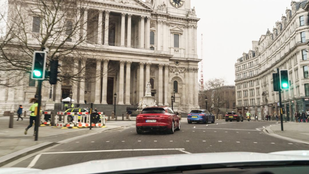 Panamera Turbo Sport Turismo, Panamera Turbo S E-Hybrid Sport Turismo, London, 2018, Porsche AG