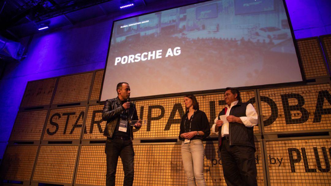 Кристиан Кнорле, Таня Дойченбаур, Саед Амиди (слева направо), церемония вручения награды Global Innovation Award, мероприятие Expo Day на Startup Autobahn, Штутгарт, 2019, Porsche AG