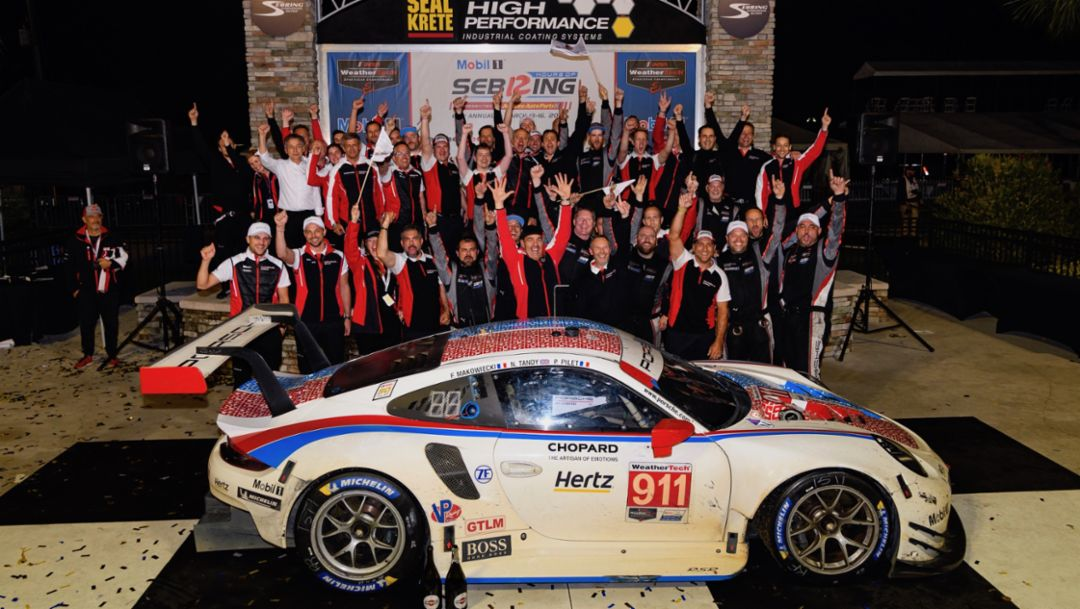 Porsche wins Sebring