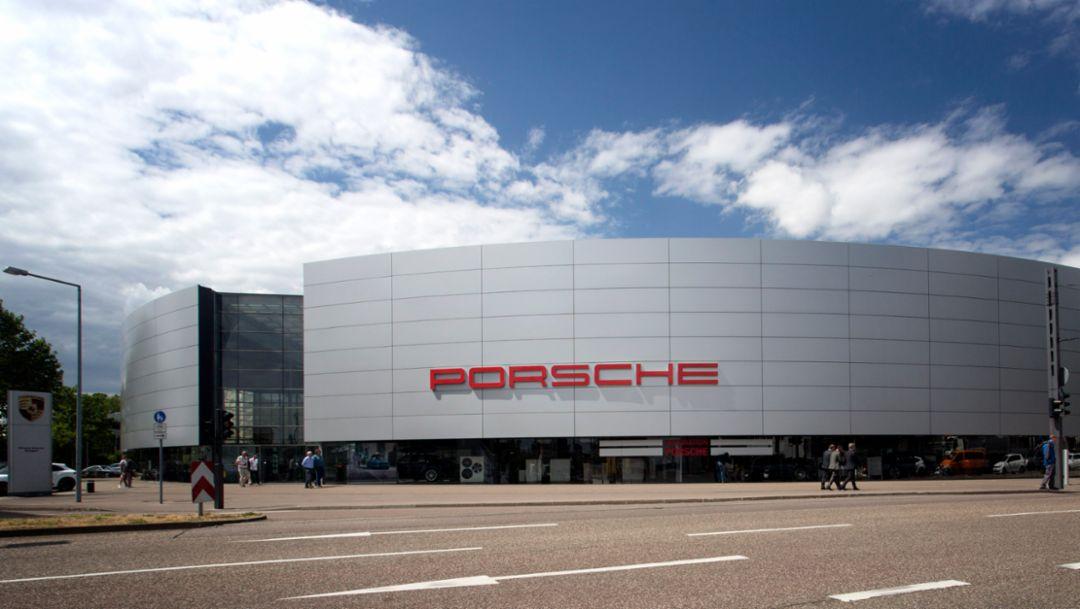 15 Jahre Porsche Zentrum Stuttgart