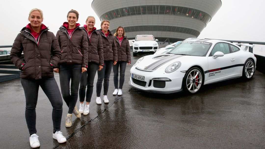 Tennis women at Porsche