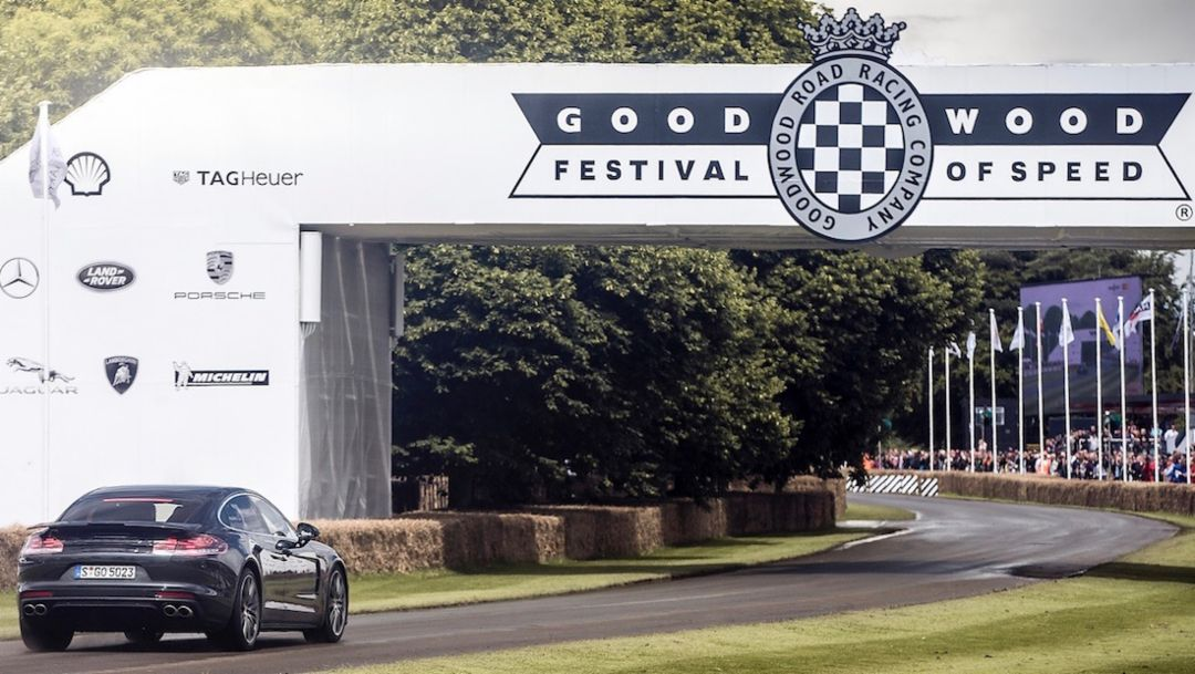 Dempsey fährt den Panamera in Goodwood