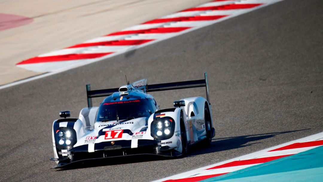 Montoya and Evans test the 919 Hybrid