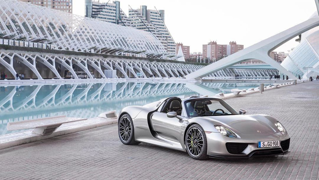 918 Spyder close to the finishing line