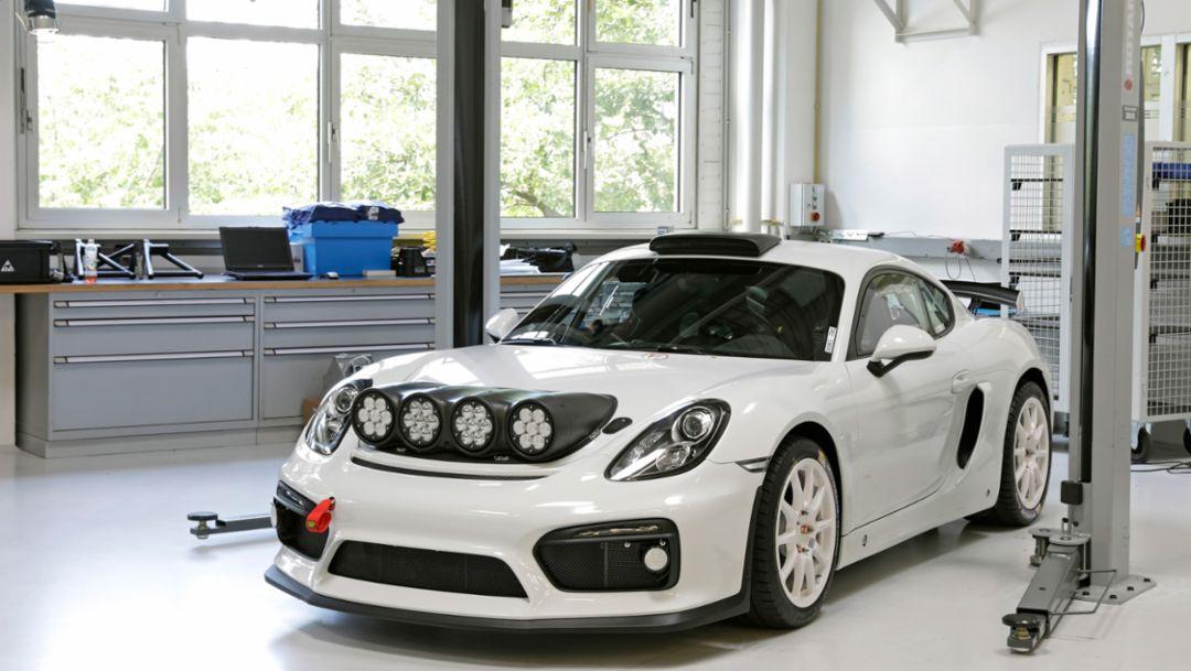 Porsche runs Cayman GT4 Clubsport as course car