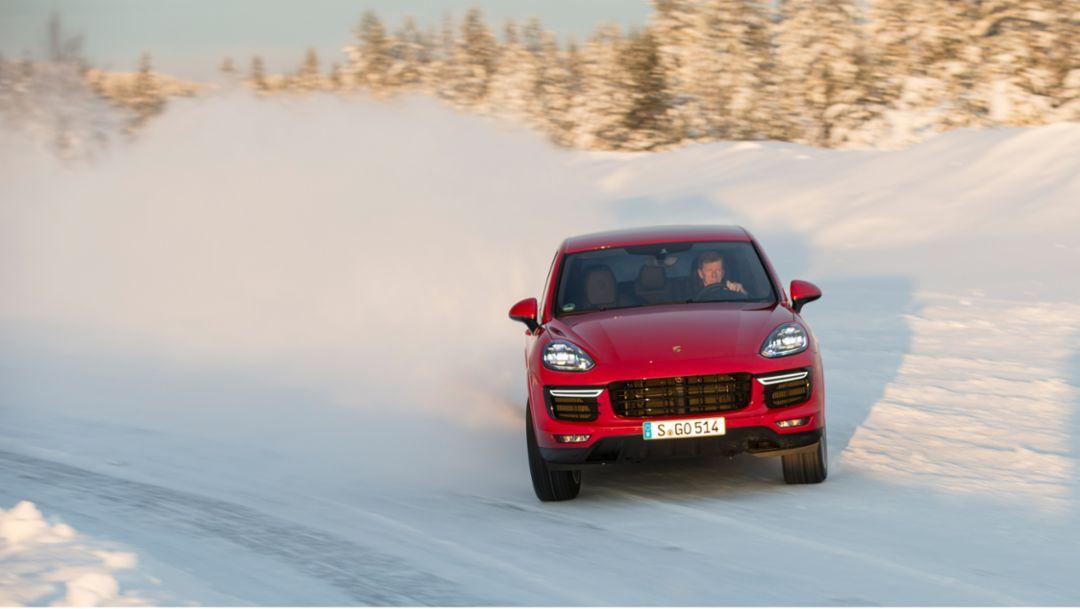 Walter Röhrl, Cayenne Turbo S, Skelleftea, Schweden, 2015, Porsche AG