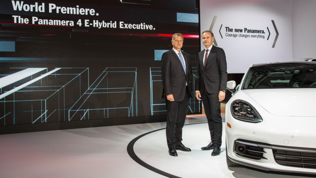 Detlev von Platen, Member of the Executive Board of Porsche AG Sales and Marketing, Oliver Blume, Chairman of the Executive Board of Porsche AG, l-r, Panamera 4 E-Hybrid Executive, press conference, Los Angeles Auto Show, 2016, Porsche AG