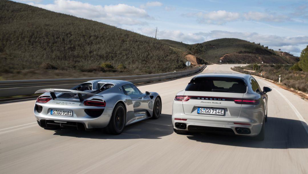 918 Spyder, Panamera Turbo S E-Hybrid Sport Turismo, l-r, Portimao, 2018, Porsche AG