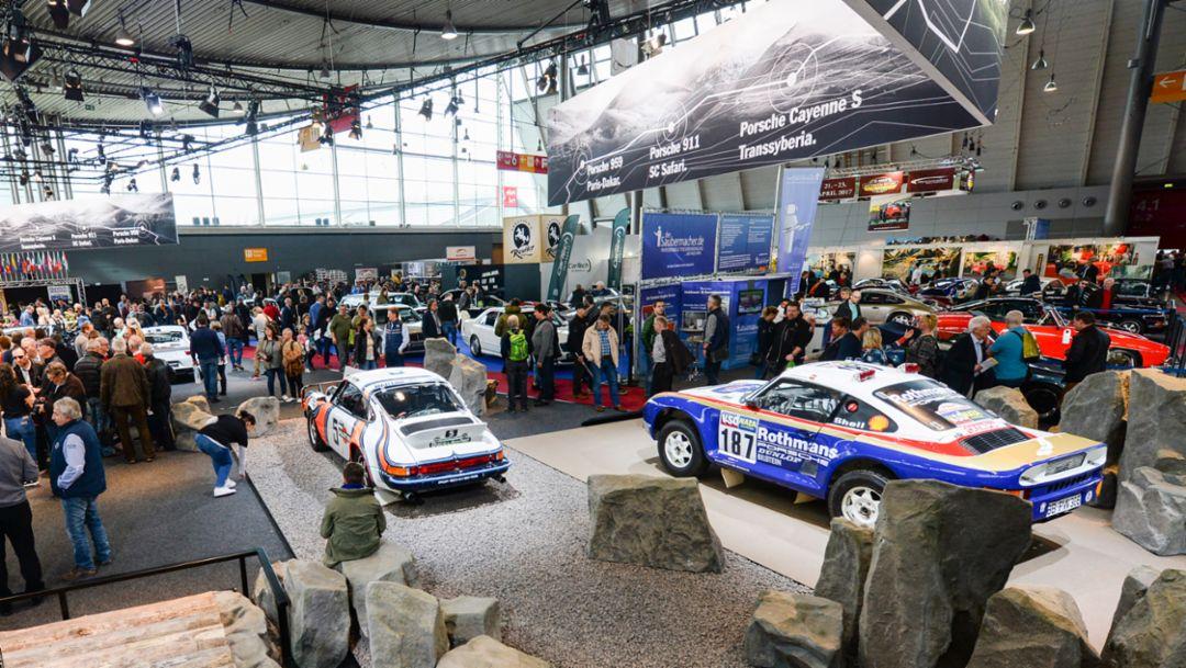 "911 SC ""Safari"" (l), 959 Paris Dakar (r), Retro Classics, Stuttgart, Germany, 2017, Porsche AG"