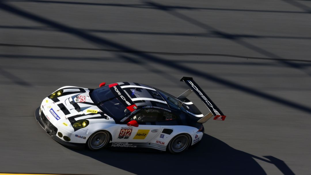 Two podium spots for Porsche 911