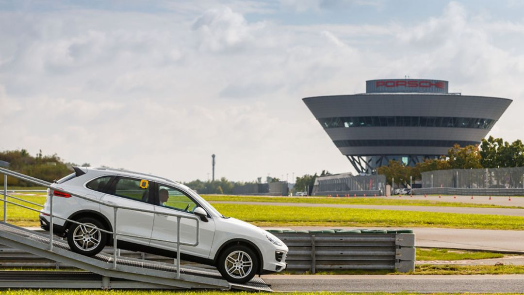 Porsche builds the 600,000th Cayenne